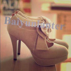 "Shoes - Beige bow heels 3"""